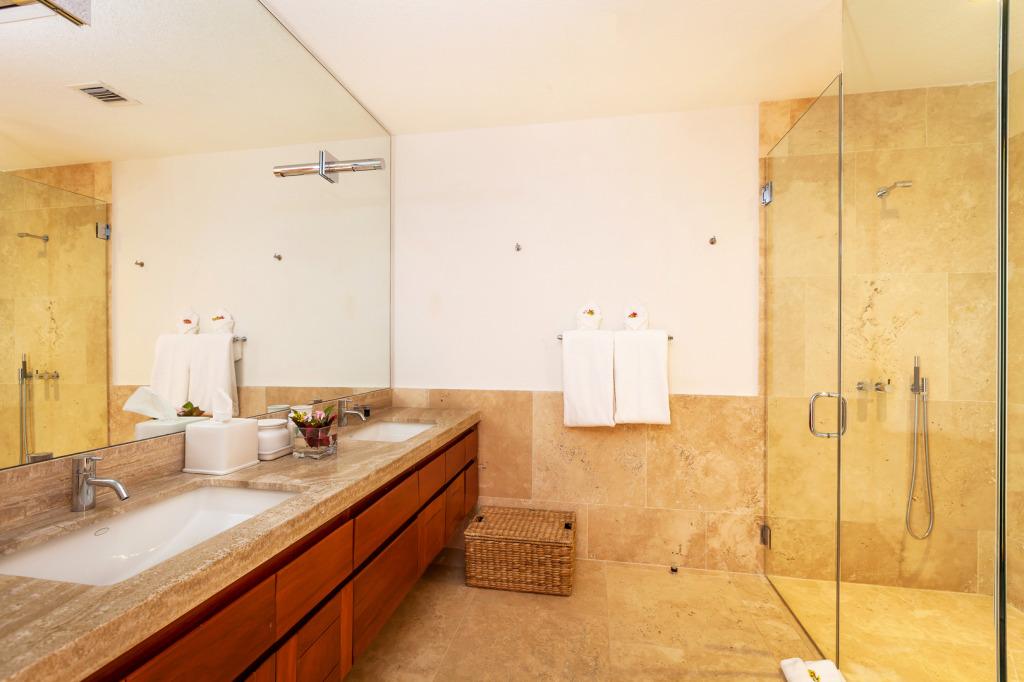 BEaches Edge Anguilla Villas Q Bath