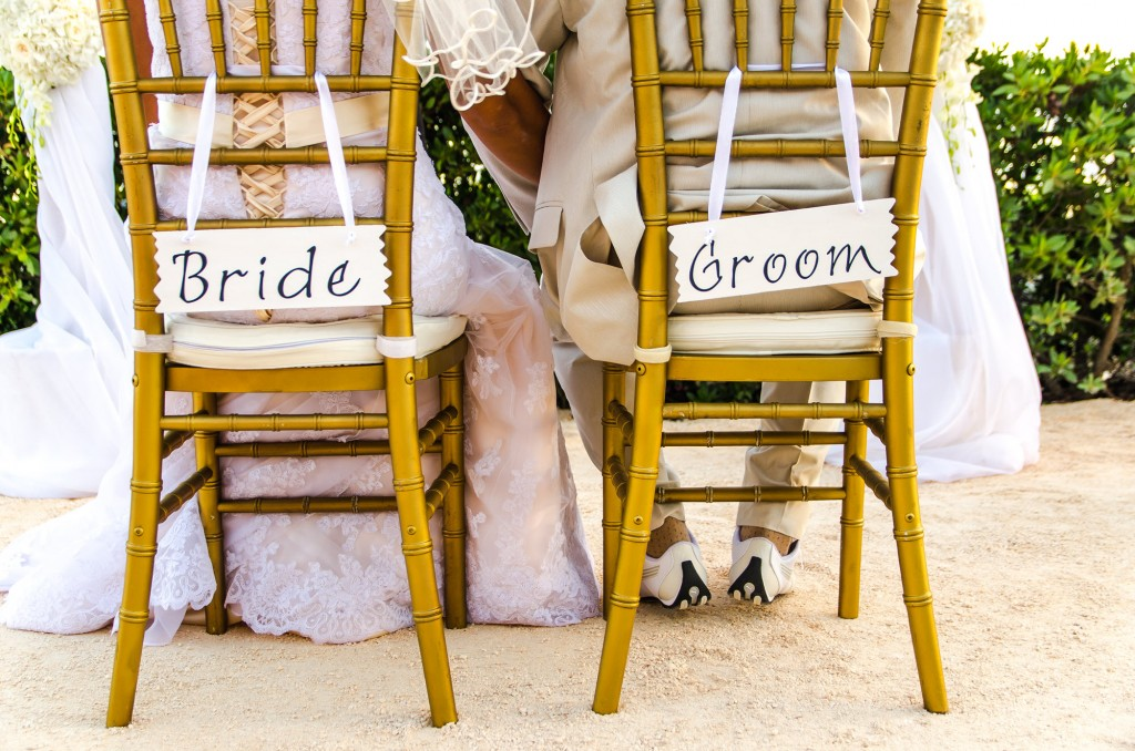 Beaches Edge Villas Bride and Groom Chairs